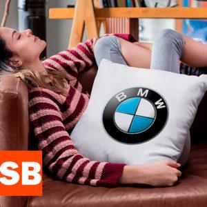 Подушка с логотипом BMW (БМВ)